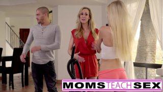 Las mamá enseñan sexo – mamá atrapa a su hija